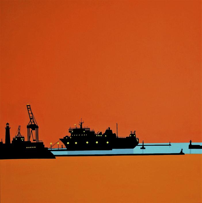 Silhouette von Schiffen im Hafen